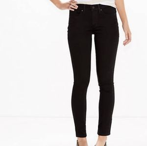 Black Levis MID RISE 311 Shaping Skinny je…